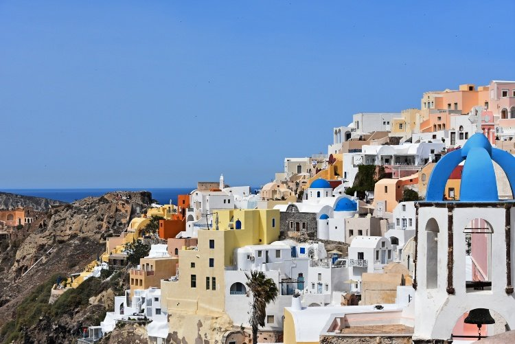 11 things to enjoy in Santorini